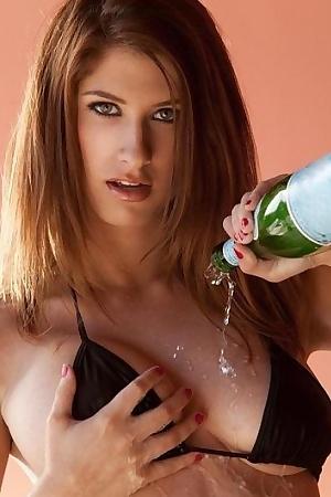 Karina White Wet Pussy