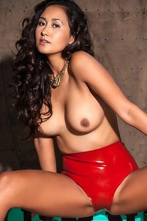 Jeannie Santiago Hot Nude Skater