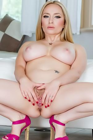 Aiden Starr Blonde Pornstar With Big Boobs
