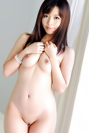 Precious Set With 18 Sexy Nudes