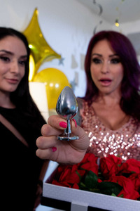Hot Monique Alexander Ready For New Year Celebration