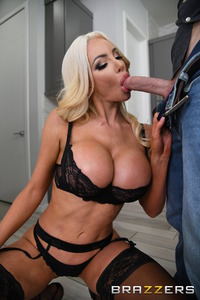Nicolette Shea Sexual Relationship With Her Husband