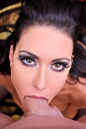 Brunette Beauty Jessica Jaymes Long Cock Suck