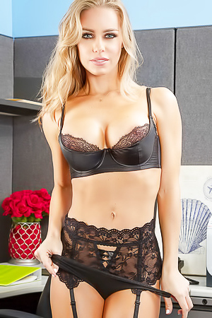 One Of The Hottest Models Nicole Aniston