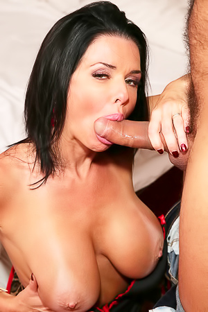 Naughty Veronica Avluv Sucking Cock