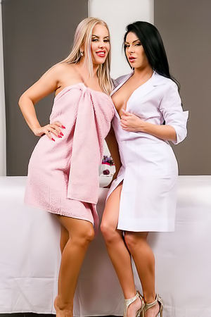 Inna Innaki And Diamond Dollxxx Lesbo Massage