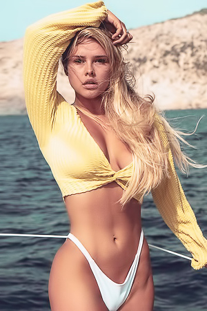 Meet Kinsey Wolanski in this hot bikini gallery