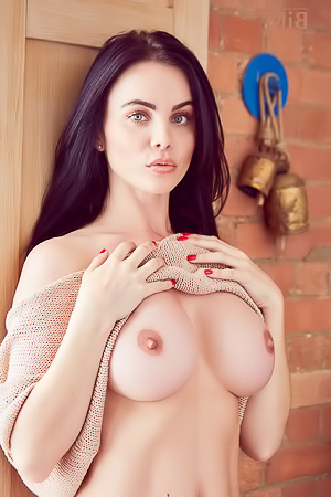 Emma Glover letting us know that she has nothing to wear
