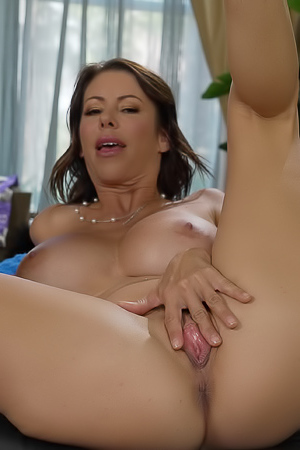 Alexis Fawx Horny Housewife Getting Wet