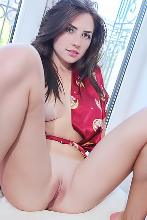Niemira Leaving Her Sensational Body Gloriously Naked