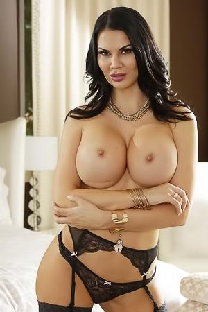 Kleine brüste nackt