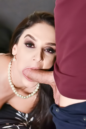 Sheena Ryder Gets Cream In Pussy