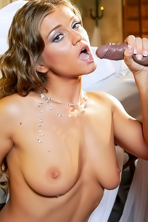 Sexy Nurse Rita Faltoyano Received Cum In Mouth
