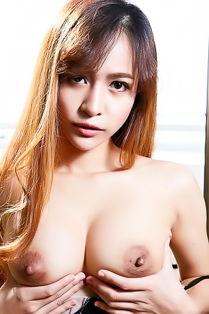 Hot Asian Model Eileen