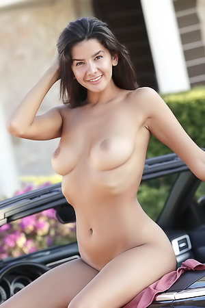 Superb Woman Adele Has Wonderful Large Bosom