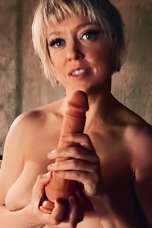 Dee Williams Feed Her Hungry Ass With Huge Toy