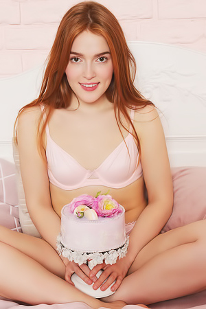 Jia Lissa Getting Naked And Shows Succulent Pink Pussy